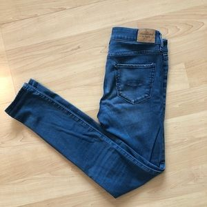 Abercrombie & Fitch Skinny Jegging